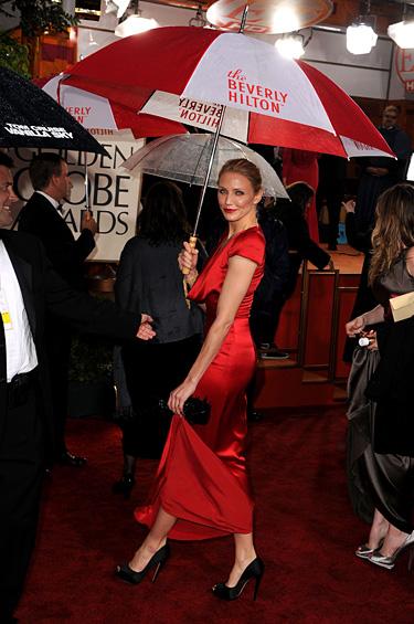 Cameron Díaz usando Alfombra Roja de Salvatore Ferragamo, calzado de noche hecho bajo pedido