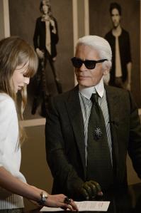 Chanel-La pequeña chaqueta negra