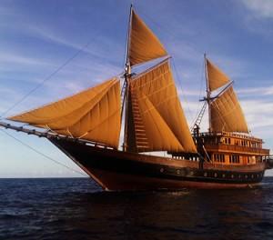 Quintessentially: velero Alila Purnama