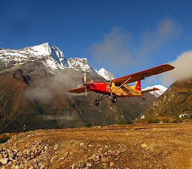 Quintessentially 1 - Monte Everest al extremo, paracaidismo
