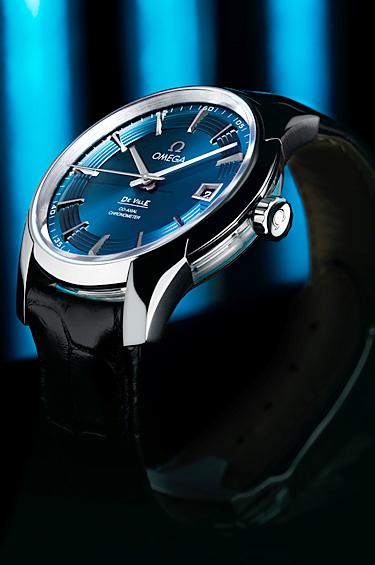 Omega 1 - Hour Vision Blue, un reloj elegante