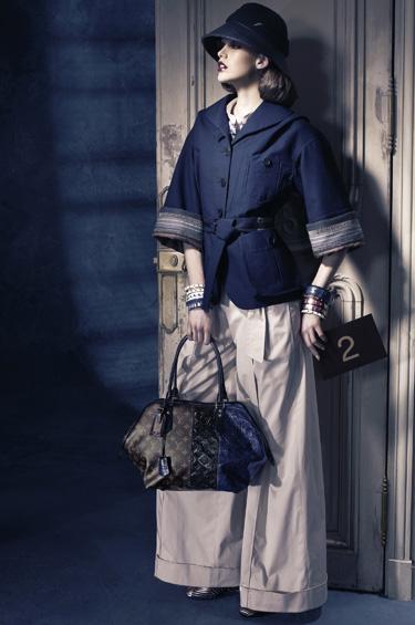 Louis Vuitton 1 - La Diva Art Deco trae un aire festivo al otoño 2011