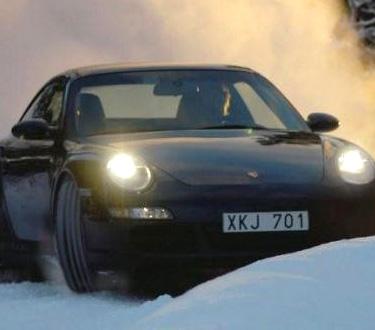 Quintessentially 1 - Vive una experiencia como ninguna manejando coches deportivos sobre lagos congelados en Suecia