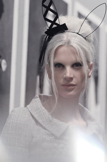 Chanel 1 - La Pequeña Chaqueta Negra: El clásico de CHANEL retomado por Karl Lagerfeld y Carine Roitfeld