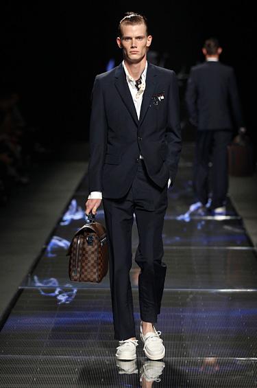 Louis Vuitton 1 - Louis Vuitton se inspira en la playa para el hombre aventurero